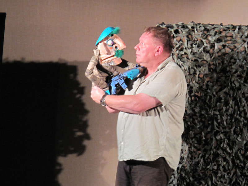 Punch & Judy in Afghanistan<br />     						  		                  The Stuffed Puppet Theatre, Amsterdam, Niederlande